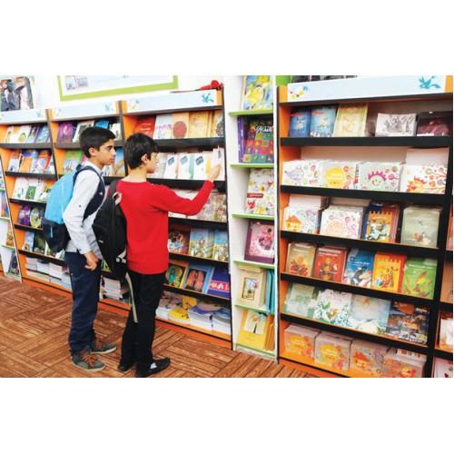 دبیرخانه هجدهمین جشنواره کتاب کودک و نوجوان کانون پرورش فکری ۱۴ اثر را به عنوان نامزد بخش «تصویرگری، گرافیک و طراحی جلد» اعلام کرد.